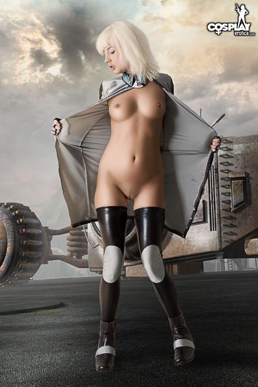 CosplayErotica  Anya Stroud Gears of war nude cosp