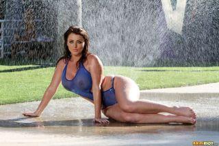 sex Sophie Dee curvy big tits