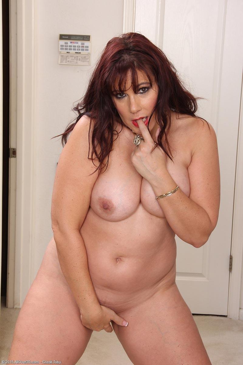 Busty heart nude pics