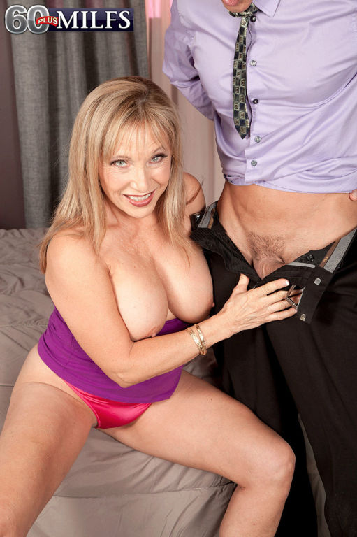 Busty 60MILF Luna Azul Having A Stiff Cock For Her
