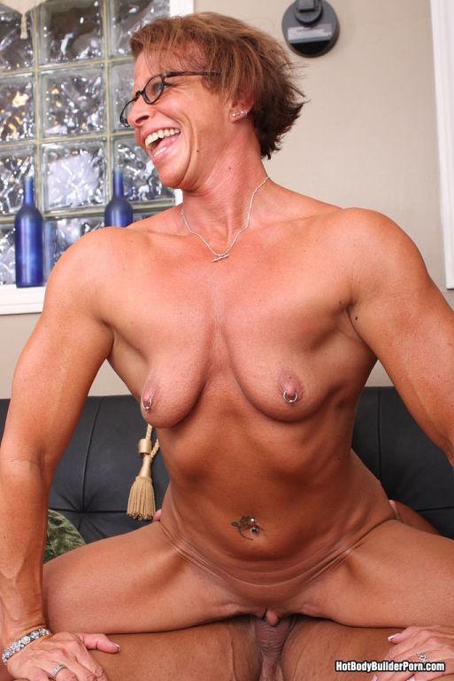 Hot Bodybuilder Slut Having A Hard Cock Workout