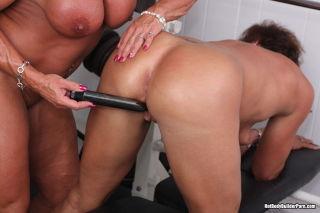 Two Hot Bodybuilder Lesbian Sluts In Action