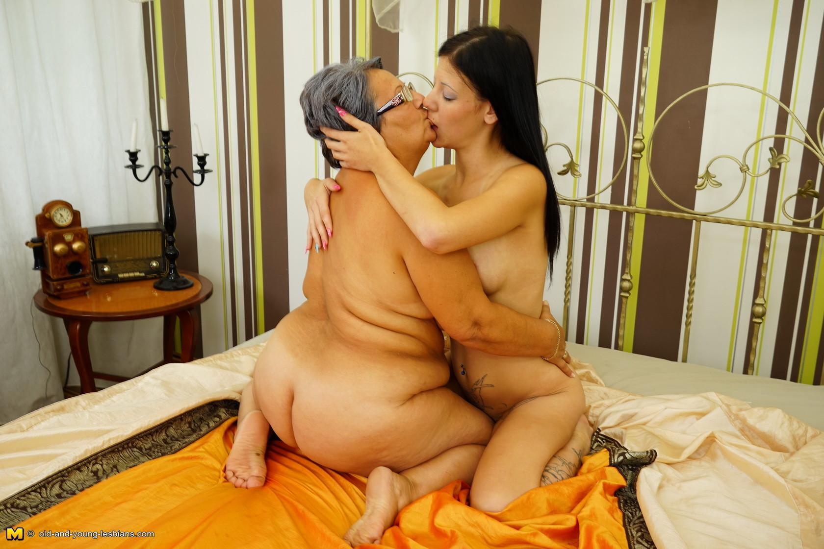 Lesbian Milf Seduces Daughter