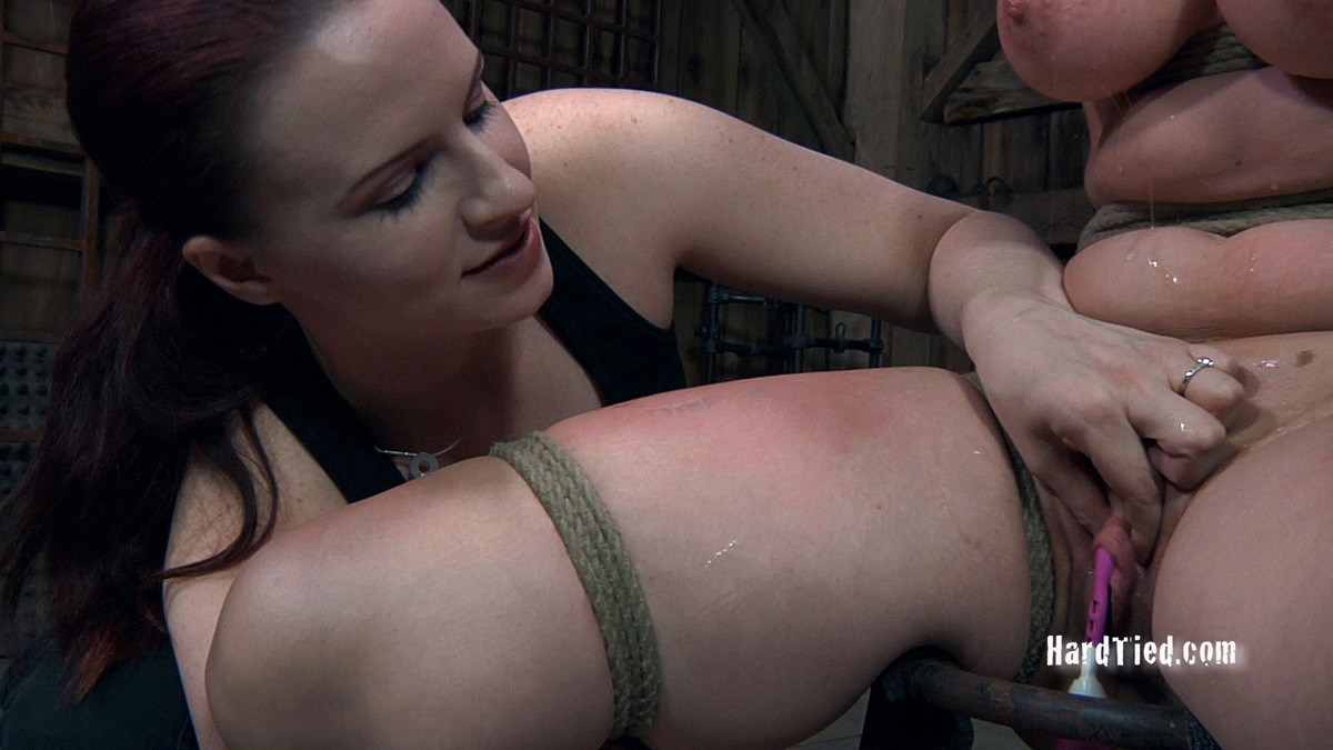 Sister Dee порноактриса