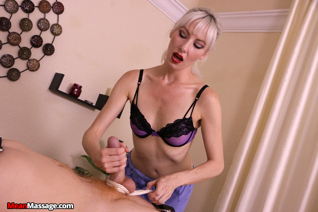 Sexy naked paris hilton blowjob