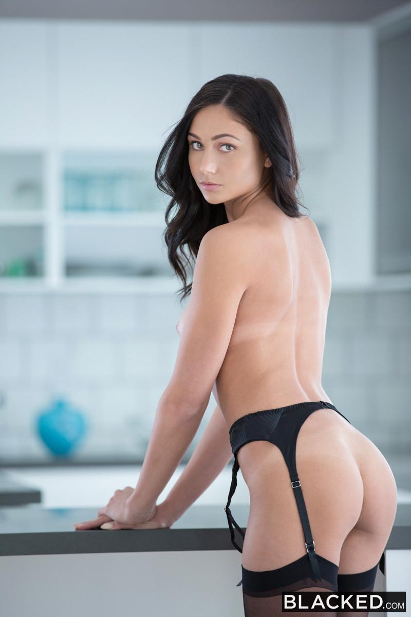 Ariana marie free porn pics pichunter