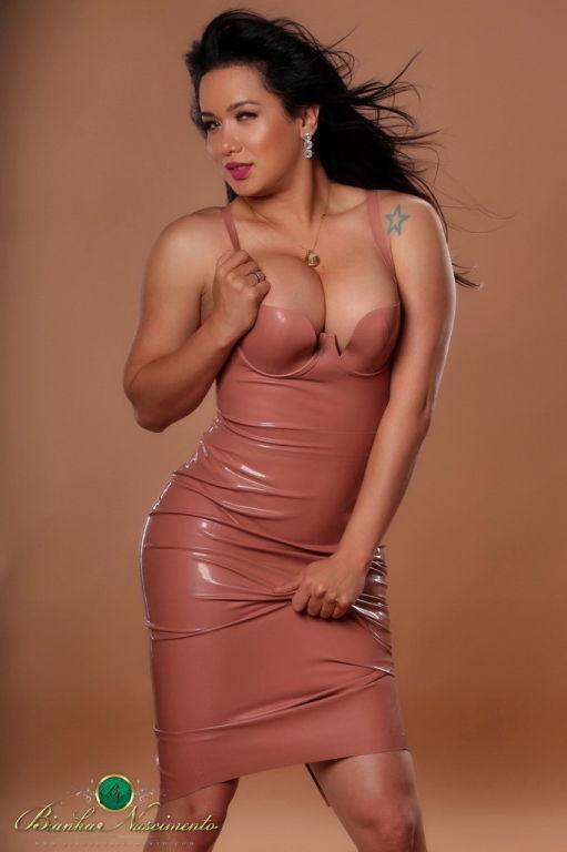 Shemale in latex dress