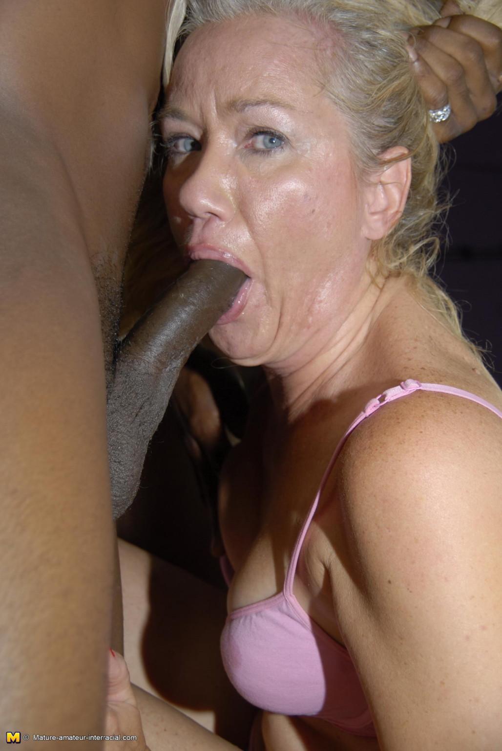 Mature interracial blowjob