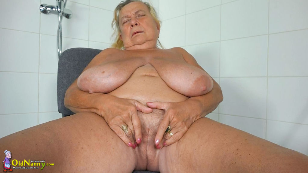 the best old and milf lesbian sex