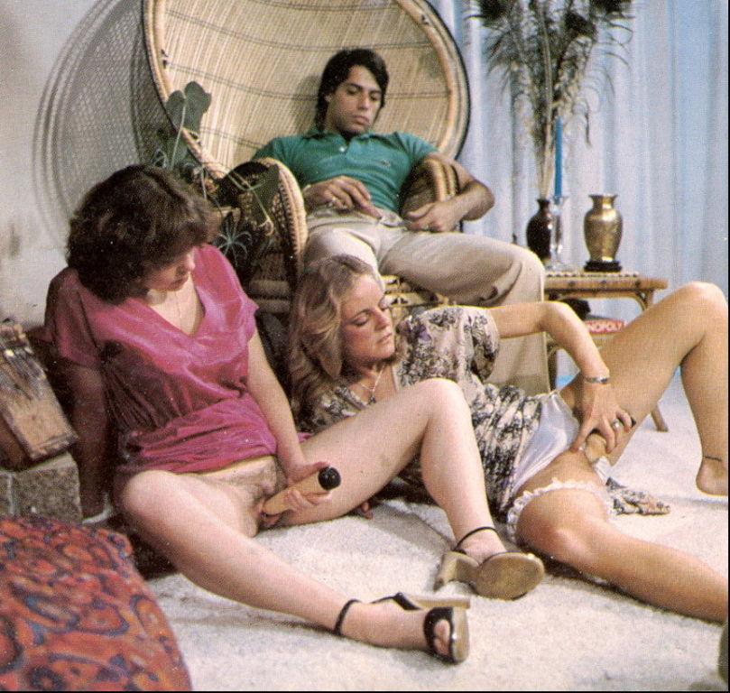 Vintage bisexual threesome porn pics