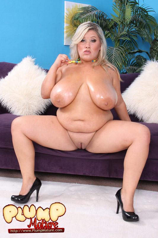 Huge tits fat ass gorgeous blonde