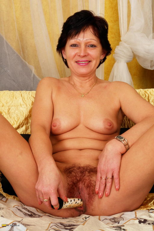 When this housewife is alone she loves to get naug