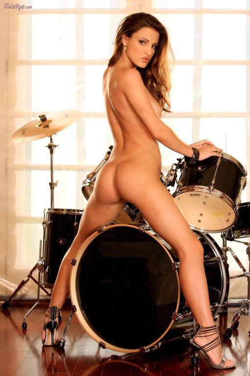 Andie Valentino hot rocker chick