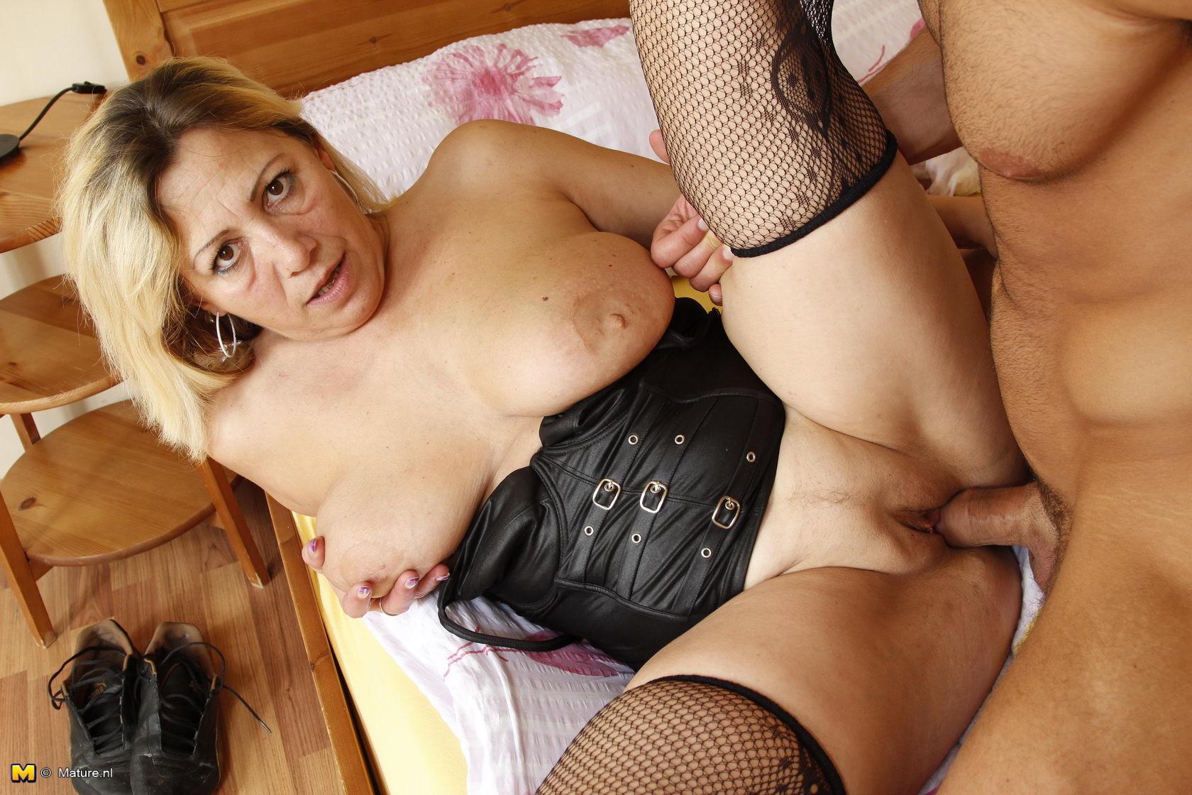 cocksucking mature slut - Pichunter