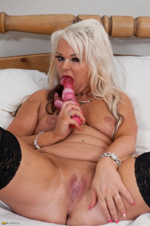 Kinky blonde housewife getting very naughty