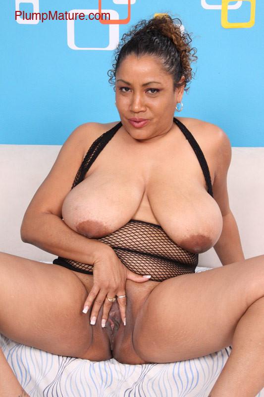 Big ass mature fat pussy