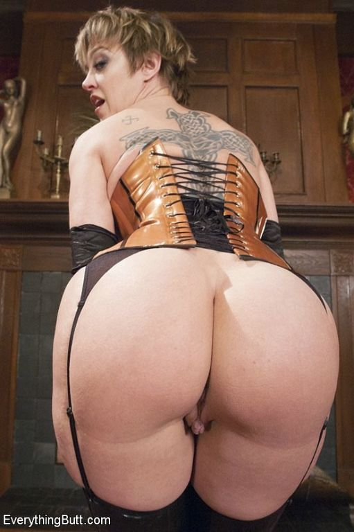 Sharon Darling and Juliette March in kinky latex g