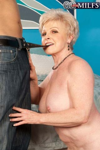 Dirty Granny Slut Jewel Fucking Her Wet Cunt With