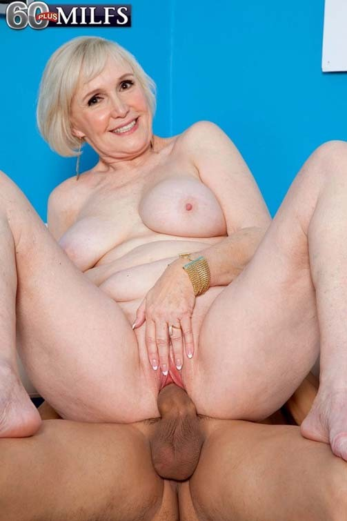 Nude blonde girls fingering