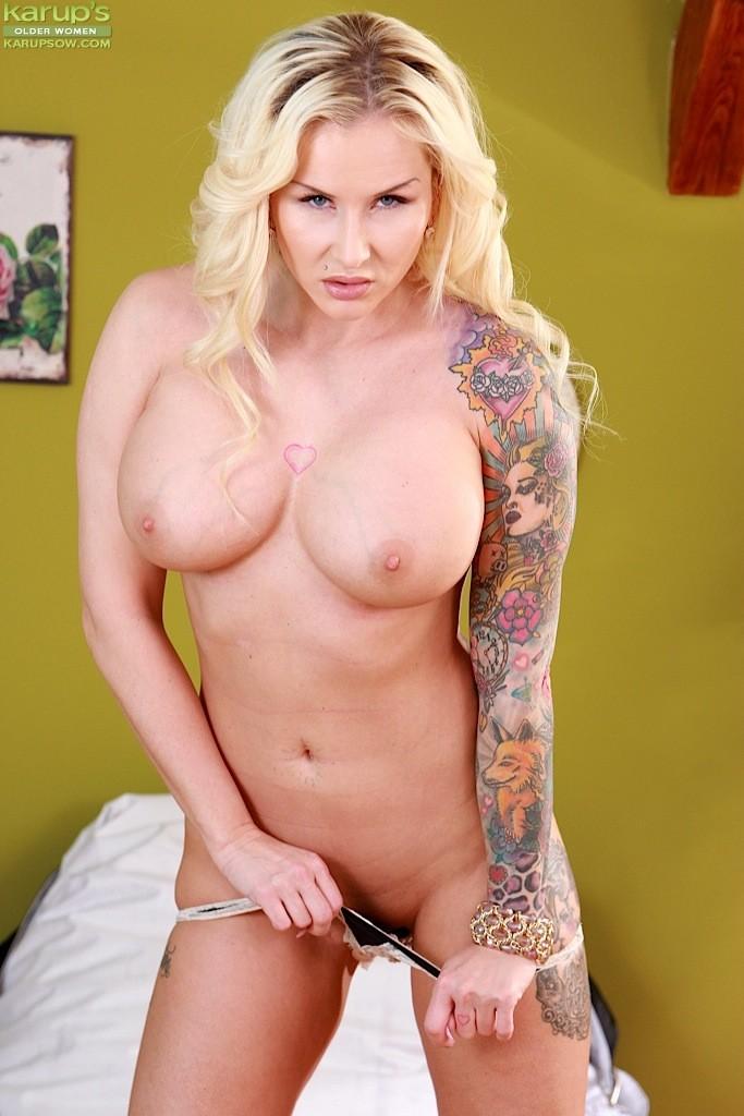 Mature tattooed porn stars