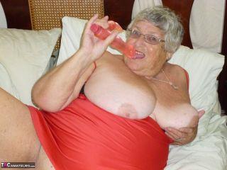 Grandmagetting horny againAs I lie on my bed weari