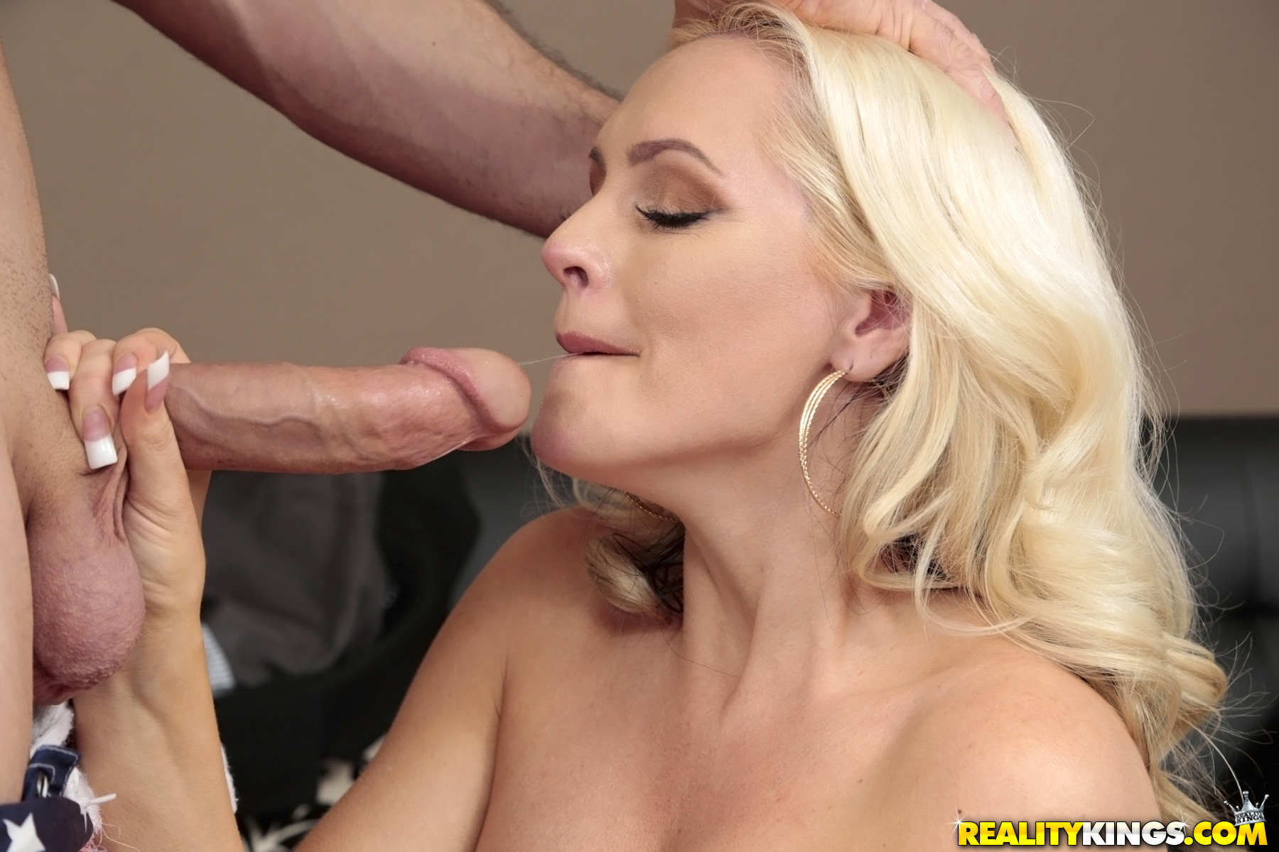 Hot fake tits blonde full blowjob