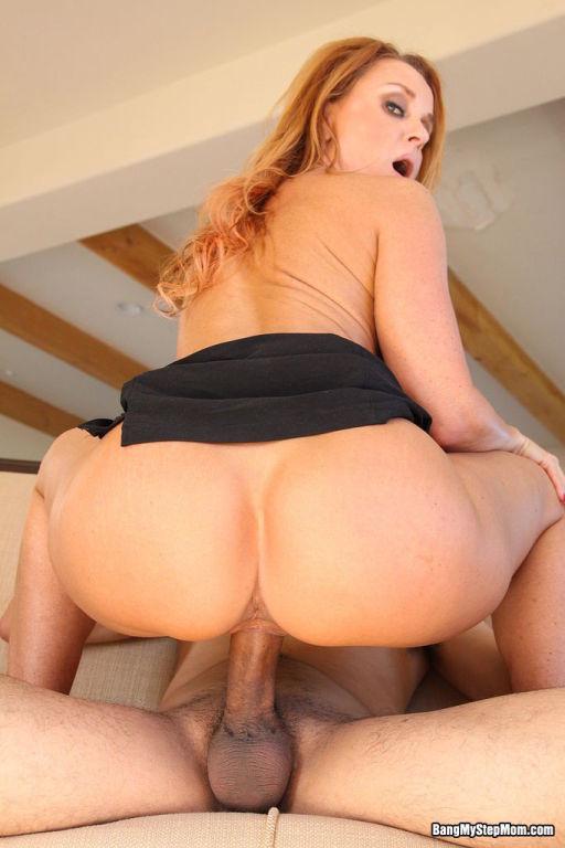 Busty Hot Stepmom Slut Janet Fucking Her Wet Pussy
