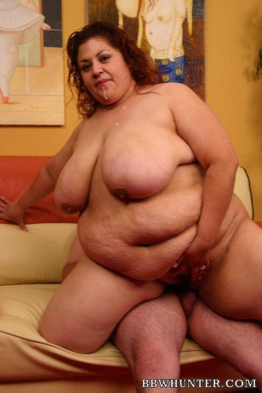 BBW Slut Reyna Stuffing Her Pussy With Hard Cock