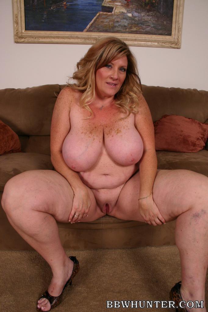 sexy Deedra big tits milf ...