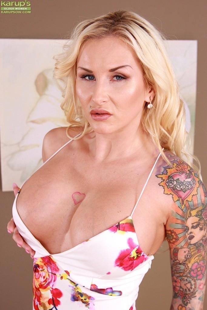 Blonde Pornstars Big Tits