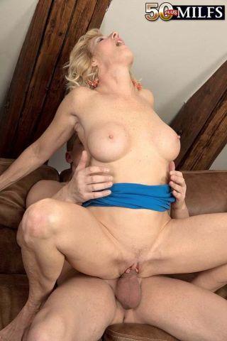 Sexy Big Boobed MILF Molly Maracas Fucking Hard