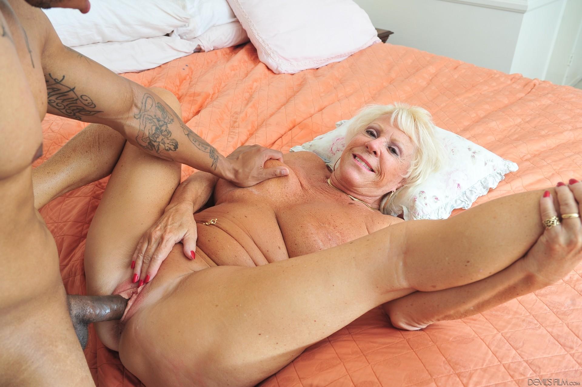 Big Natural Blonde Handjob