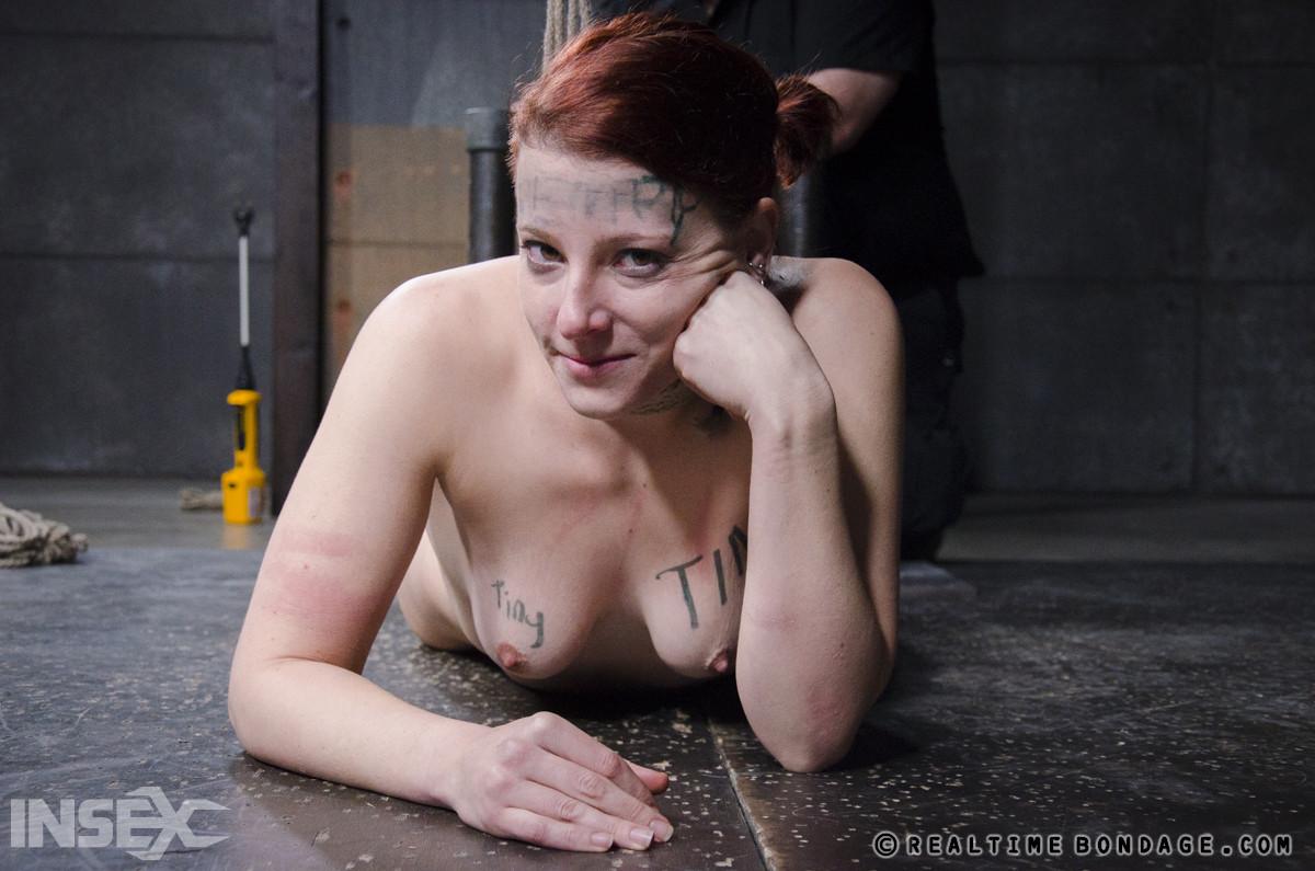 Kel Bowie порно модель