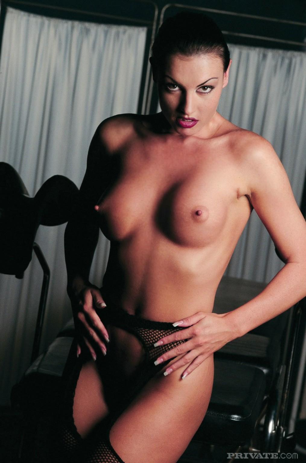 Angilina nude