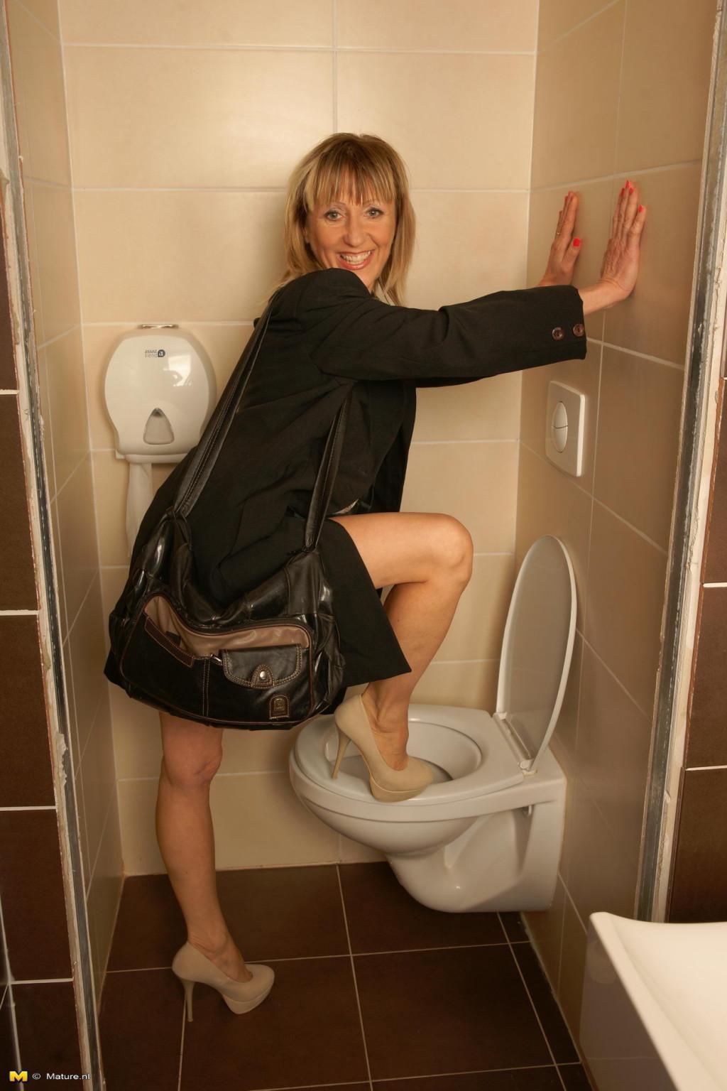 Horny mature slut fucking on a toilet pichunter jpg 1024x1536 70 year old  sluts