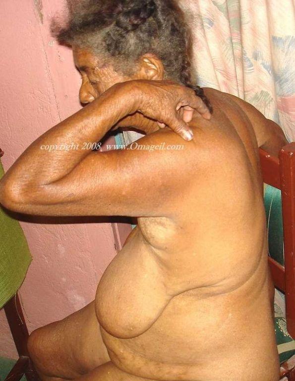 Big and enjoyable saggy granny tits