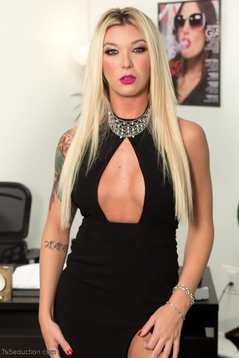 sexy Aubrey Kate *reed jameson tranny ...