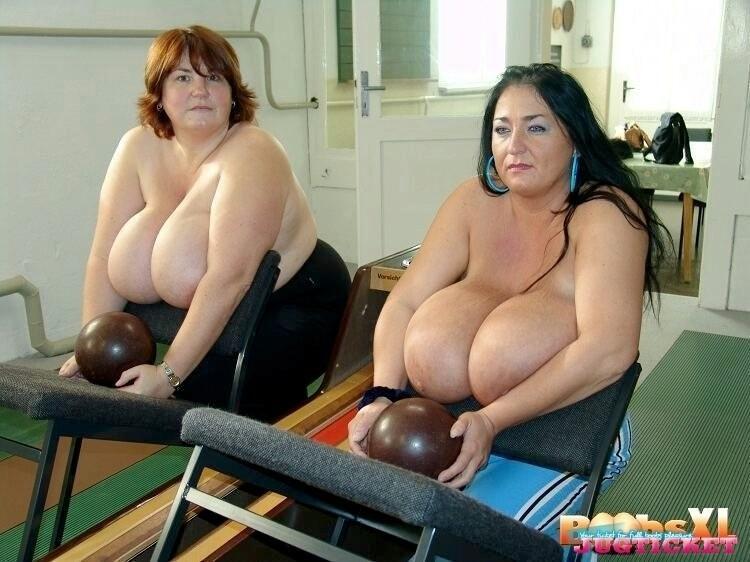 Huge tits bbw sabrina meloni outdoor