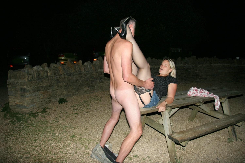 Немецкое порно на улице ночью