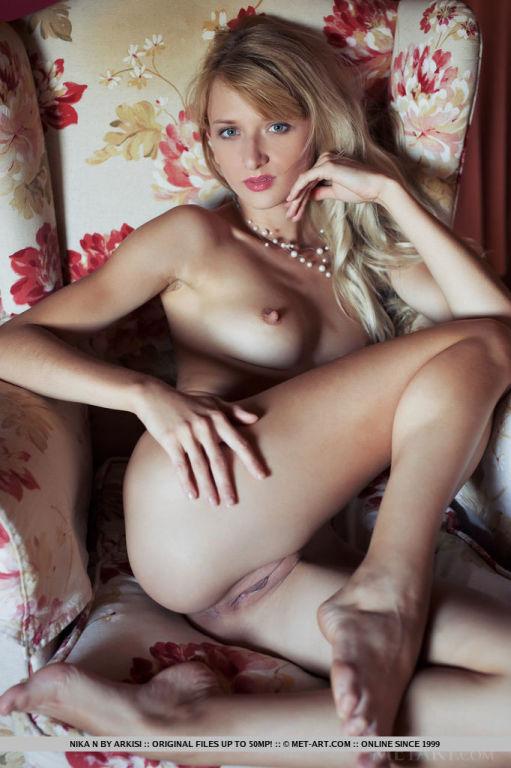 angelic blonde babe