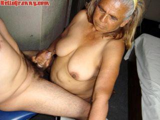 Old wrinkled mom suck dick hard