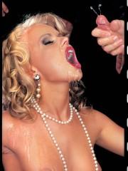 Classic pornstar Dora Venter gangbanged in all hol