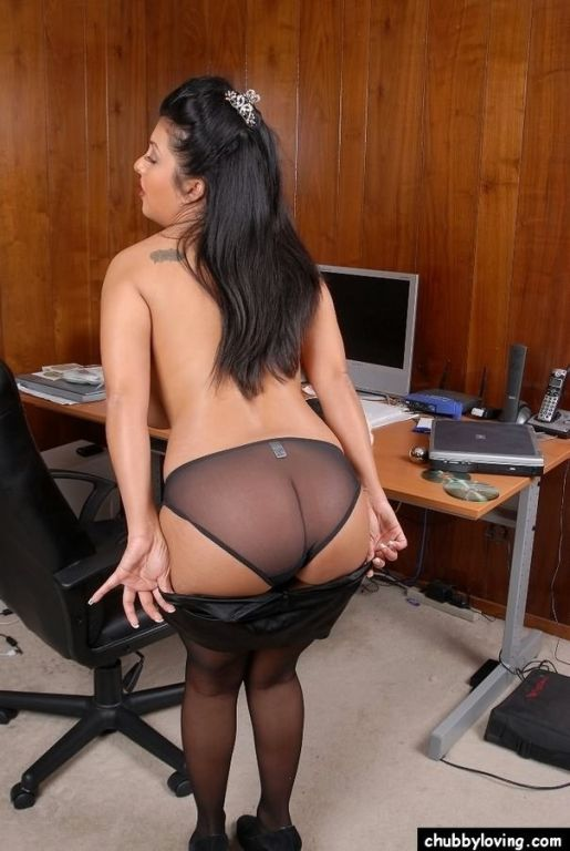 Busty secretary plumper Jaylene Rio teasing and fl