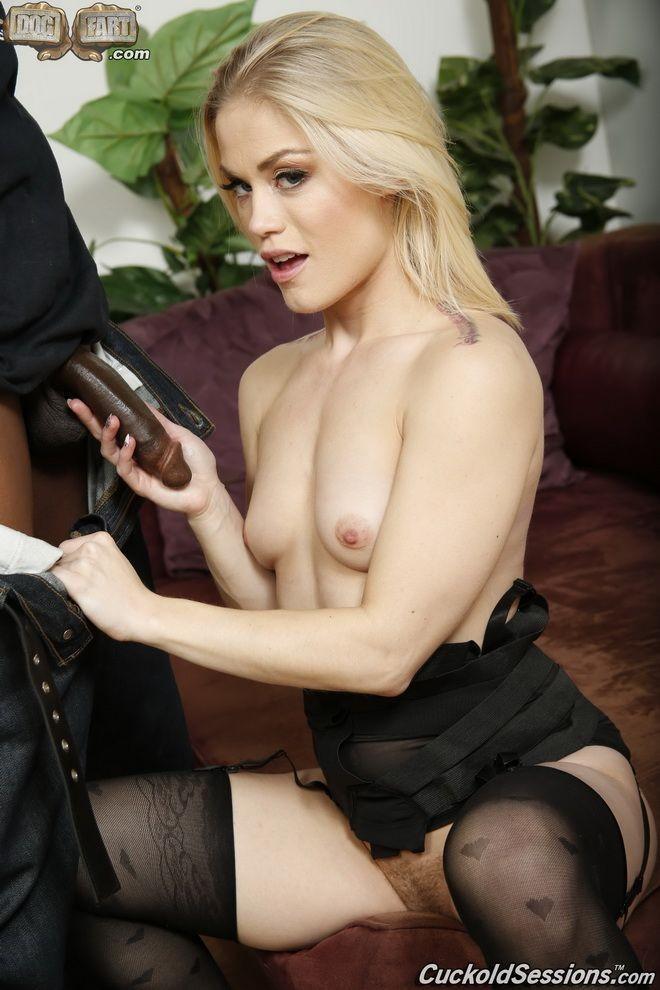 A cumshot cuckold blonde gets sexy can not