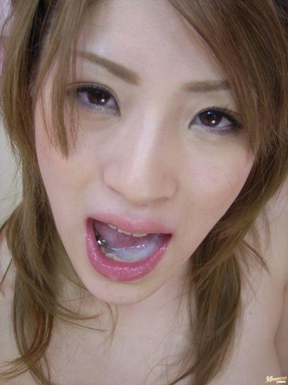 Japanese schoolgirl Yuu Mahiru sucking till facial