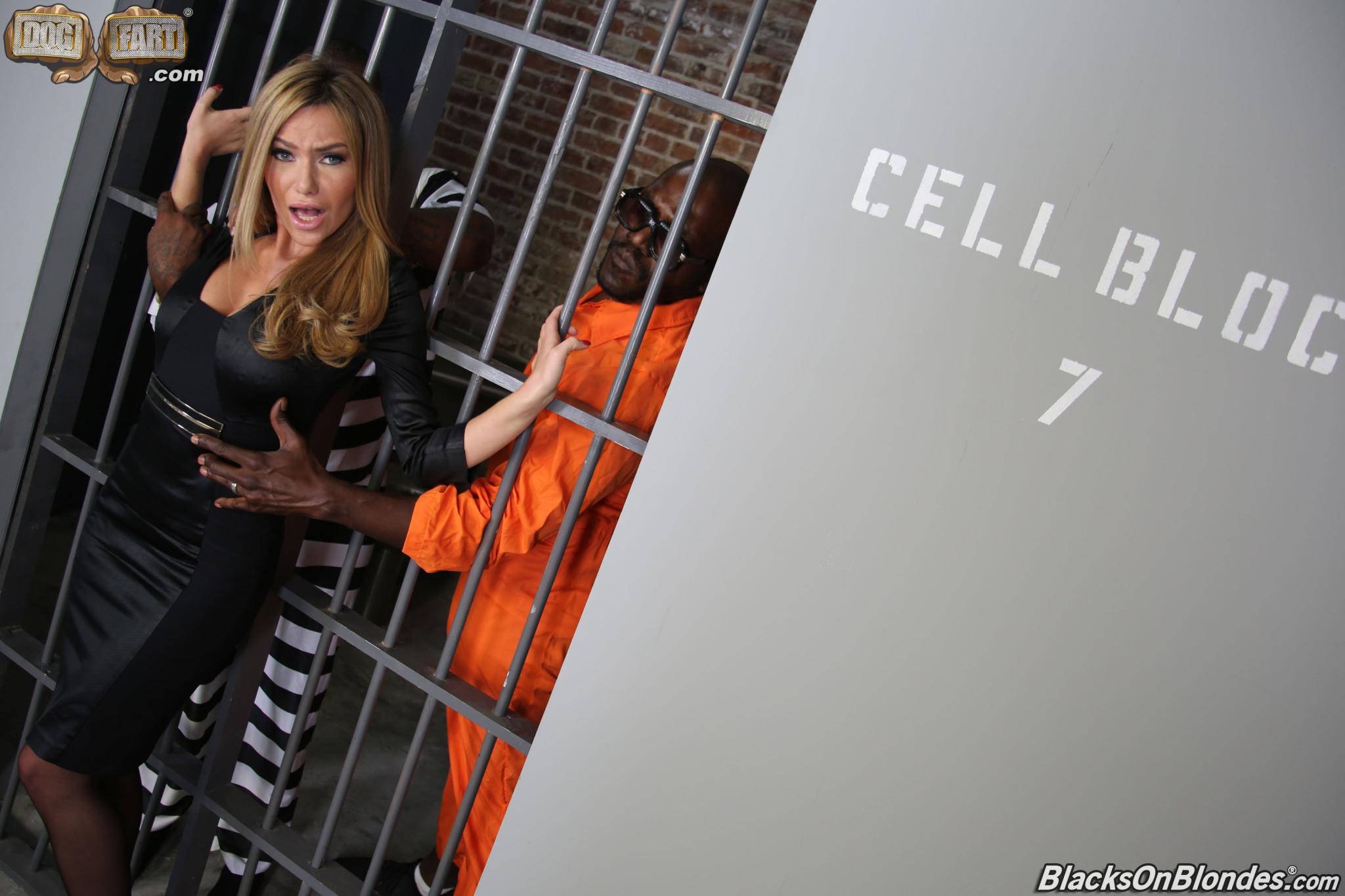 Hot prison women nude