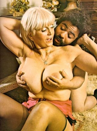Legendary mature pornstar Candy Samples with big b