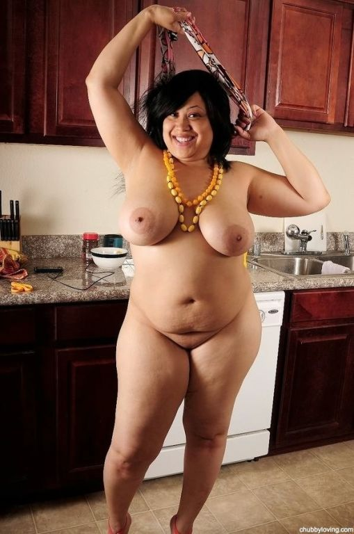 Fat latina Mz Twilight stripping and showing boobs