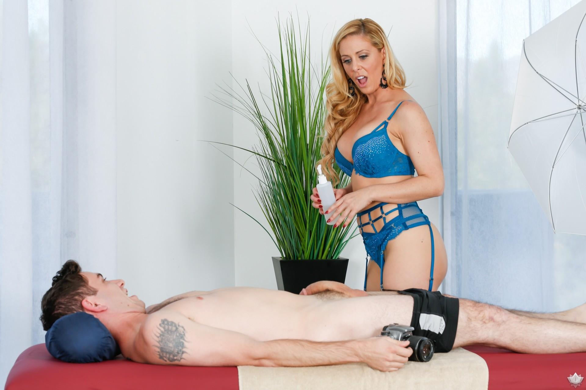 Lesbian Anal Strapon Massage