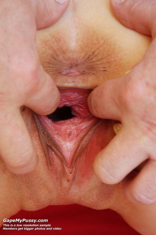 Jennifer incredible masturbation with puss gaping!